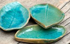 Ceramic leaf plate,Turquoise leaf plates,Leaf decor,Real leaf impression pottery,Pottery leaf dish,Set of tree leaf plates,Turquoise plates