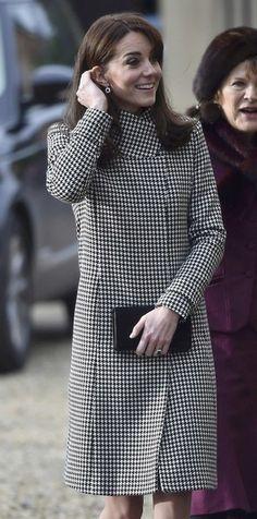Kate Middleton mostra lado solidário em visita a instituição - Caras