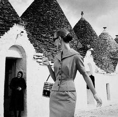 Louise Dahl-Wolfe .Evelyn Tripp in Gioia Del Colle (Italy).Harper's Bazaar 1955