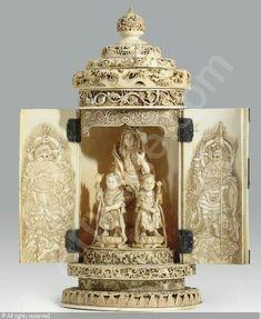 MEIJI PERIOD, 1868-1912 (Japan) Title : An Ivory Portable Shrine, signed Hakumin To  Date : 1800/1900.