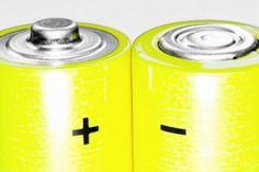 A Physics Professor Asks: Are No-Name Batteries a Better Value Than Major Brands? by Brad Tuttle, moneyland.time.com #Batteries #Brad_Tuttle #Rhett_Allain