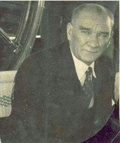 Atatürk Turkish People, Turkish Army, The Turk, Fathers Love, Ulsan, Great Leaders, World Peace, Historical Pictures, World Leaders