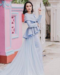 12) Pari-Pari songket outfit for the wedding!