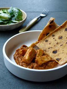 Paneer makhani – Indian cheese in spiced tomato sauce with cardamom sweet potato roti Chicken Makhani, Paneer Makhani, Indian Cheese, Paneer Cheese, Creamy Tomato Sauce, Butter, Paneer Recipes, Tomato And Cheese, Side Salad