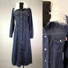 7d86dedea6 Women s 1970 s Vintage Blue Denim Dress Faux fur Collar Slim Fit A line  Smock-style Push Button up Jeans Long Sleeves Shirt Dress Size M L