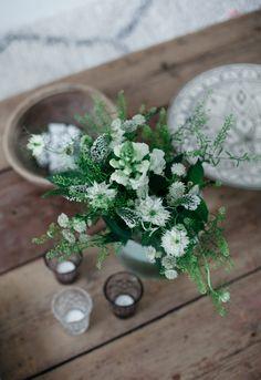 Uusi Kuu Keep It Simple, Green Flowers, Interior Accessories, Travel Style, Table Decorations, Spring, Plants, Inspiration, Beautiful