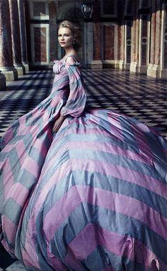 """""""Marie Antoinette"""" - Versailles... Kirsten Dunst by Annie Leibovitz"""