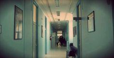 """""""Sembrava che dormisse"""": trova la madre morta in un letto d'ospedale  http://tuttacronaca.wordpress.com/2013/09/19/sembrava-che-dormisse-trova-la-madre-morta-in-un-letto-dospedale/"""