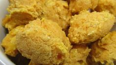 pineapple sweet potato treats Feelin' a little tropical today and nothing satisfies that tropical urge like some pineapple! Sweet Potato Dog Treats, Sweet Potatoe Bites, Sweet Potato Biscuits, Sweet Potatoes For Dogs, Dog Biscuits, Cookies Et Biscuits, Potato Bites, Homemade Dog Treats, Pet Treats