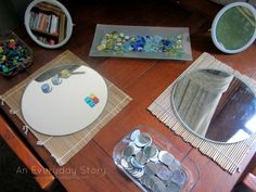 An Everyday Story Reggio inspired activities Temporary Art: Creating with Loose Parts Reggio Emilia, Reggio Classroom, Classroom Ideas, Preschool Arts And Crafts, Inquiry Based Learning, Inspired Learning, Art Curriculum, Learning Spaces, Learning Through Play