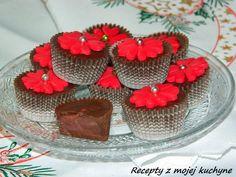 RECEPTY Z MOJEJ KUCHYNE A ZÁHRADY: Čokoládové košíčky (pralinky) s ovocnou náplňou