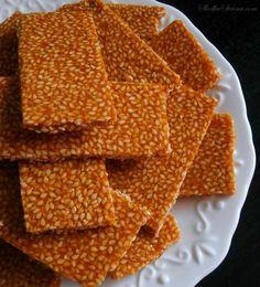 Domowe Sezamki - Przepis - Słodka Strona Fudge Recipes, Snack Recipes, Dessert Recipes, Snacks, Slovakian Food, Cream Cheese Flan, Baking Basics, Breakfast Menu, Polish Recipes