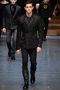 """""""Show report: Dolce & Gabbana prefers its family photos in black and white (and grey and red) - GQ.co.uk"""""""