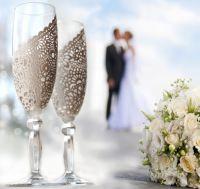 Gallery.ru / Свадебные бокалы - СВАДЕБНЫЕ БОКАЛЫ - YS-art Rustic Wedding Glasses, Wedding Champagne Flutes, Champagne Glasses, Wine Glass, Glass Art, Wine Bottles, Bride And Groom Glasses, Toasting Flutes, Fused Glass