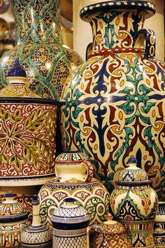 Hand painted pottery made all over Morocco especially in Fes and Safi - Maroc Désert Expérience tours http://www.marocdesertexperience.com