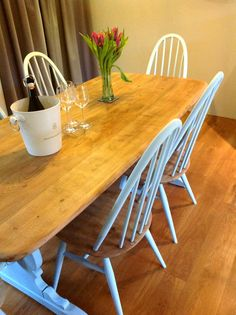 After sanding this lovely vintage Ercol set to expose the elm,I then painted the legs and backs in Autentico Polar Blue. Ercol Dining Chairs, Ercol Chair, Ercol Furniture, Room Chairs, Dining Tables, Painted Chairs, Painted Furniture, Small Folding Chair, Chair Reupholstery