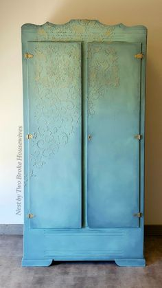 This vintage pine closet was resurrected using Dixie Belle Stormy Seas, Vintage Duck Egg and Sea Glass.  The interior doors softly contrast in French Linen.  The raised faded scrollwork was accomplished using a stencil (the largest one I've ever seen) and vinyl spackling. I then lightly kissed the raised texture a d hardware with Prima gilding wax in Eternal. Check out all my work on my FB page @nestbytwobrokehousewives Gilding Wax, Dixie Belle Paint, Vintage Closet, Chalk Paint Furniture, Diy Painting, Interior Doors, Seas, Sea Glass, Stencil