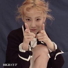 """좋아요 18.3천개, 댓글 150개 - Instagram의 Kim Taeyeon/김태연(@_taeyeonfanpage)님: """"[Video] Taeyeon - 'HIGH CUT' Magazine <Coming Soon>"""""""