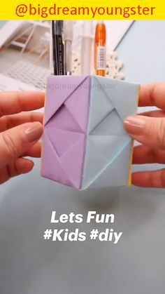 Diy Crafts For Girls, Diy Crafts To Do, Diy Crafts Hacks, Diy Arts And Crafts, Craft Stick Crafts, Paper Flowers Craft, Paper Crafts Origami, Paper Crafts For Kids, Origami Art