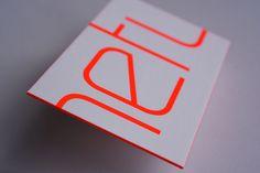 Technik: Siebdruck und Letterpress Papier: Metapher extra rough white 430 g/qm Veredelung: Farbschnitt Kunde: Netup. GmbH // #letterpressbusinesscards #letterpresslove #mitschmackesgedruckt #screenprint #coloredge #corporatedesign