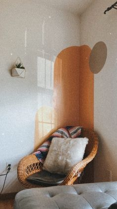 Boho home decor idea Deco Turquoise, Deco Studio, Room Wall Colors, Living Room Colors, Block Painting, Room Wall Painting, Block Wall, Boho Room, Aesthetic Room Decor