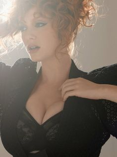 The beautiful Christina Hendricks for RHMm. Beautiful Christina, Beautiful Redhead, Beautiful People, Beautiful Women, Christina Hendricks, Cristina Hendrix, Hottest Redheads, Up Girl, Mad Men