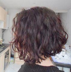 My texture when it's this cold and dry : ( Bob Hair, Hair Dos, Hair Inspo, Hair Inspiration, Hair Evolution, Brunette Makeup, Short Wavy Hair, Textured Hair, Hair Lengths