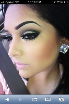 Makeup look on a smokey Kim kardashian inspired