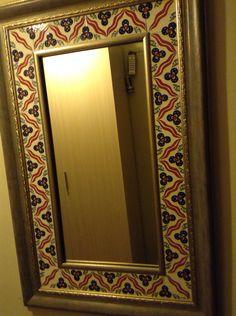 Huriye Gönen çini ayna Stained Glass Mirror, Mirror Mosaic, Mirror Tiles, Glass Wall Art, Mirrors, Mirror Painting, Modern Colors, Tile Art, Stoneware