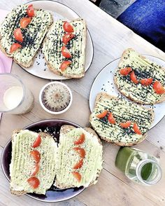 Le breakfast . #avocadotoast #friday #weekendcountdown #hotspot #antwerp #divers #fullmonty #hummus #greenjuice #healthyfood  via ELLE BELGIUM MAGAZINE OFFICIAL INSTAGRAM - Fashion Campaigns  Haute Couture  Advertising  Editorial Photography  Magazine Cover Designs  Supermodels  Runway Models
