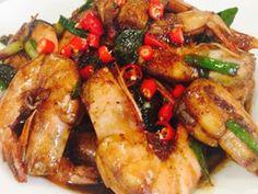Singapore Home Cooks: Lemongrass pepper prawns by Lena Lai