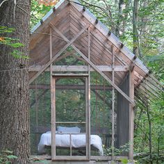 The Fern House by Robert Swinburne is a screened sleeping porch in the woods for summer naps and overnight guests.and my Colorado dream house. Outdoor Bedroom, Outdoor Rooms, Outdoor Living, Outdoor Kitchens, Indoor Outdoor, Modern Porch, Pergola, Gazebo, Sleeping Porch