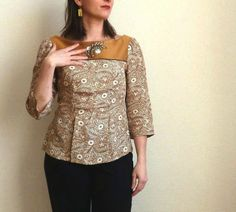 Peony blouse with embroidery.