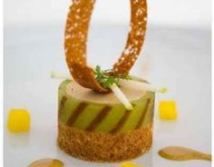 Recipe Foie gras mousse with green apple jelly and cinnamon bread Cooking Movies, Chocolate Garnishes, Apple Jelly, Duck Recipes, Salad Recipes, Cinnamon Bread, Best Chef, Food Decoration, Food Presentation