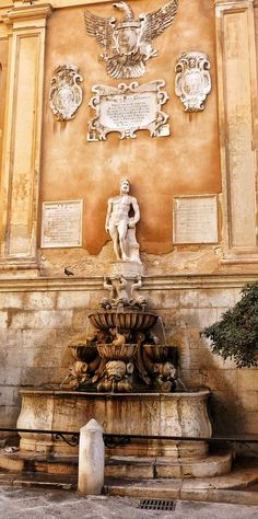 Trapani Sicily - so many places in Sicily that we did not see and this is one of them - next time. Places Around The World, Around The Worlds, Trapani Sicily, Der Plan, Italy Holidays, Regions Of Italy, Southern Italy, What A Wonderful World, Italy Travel