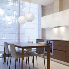 Ravintolan sisustus- ja kiskovalaisimet ledeillä - Casalight Custom Lighting, Pendant Lighting, Light Fixtures, Dining Table, House Design, Lights, Furniture, Medium, Home Decor