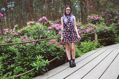 Floral, well structured dress, coloured hair