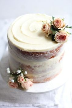 Wedding Cake Recipes Sometimes I realize that baking can be like art that I so enjoy creating, (and then eating!) Recently I have discovered the rustic simplicity that is a naked cake and I can't get enough. Food Cakes, Cupcake Cakes, Rose Cupcake, Pretty Cakes, Beautiful Cakes, Amazing Cakes, Brownie Desserts, Mini Desserts, Baking Desserts