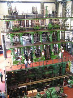 Steam ship triple expansion engine