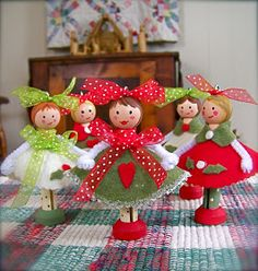 (4:53 am): (dolly ornaments)