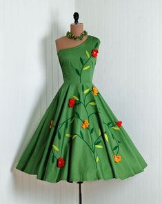 1950s one shoulder climbing flower dress