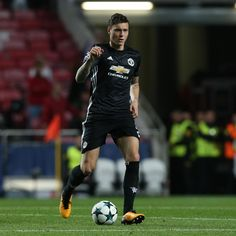 Jose Mourinho Reassured over Victor Lindelof After Slow Manchester United Start Manchester United Players, Summer Signs, Old Trafford, Man United, Football Boots, Idol, The Unit, Manchester United, Soccer Shoes