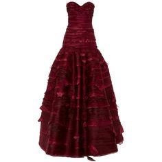 Oscar de la Renta Strapless Sweetheart Neck Organza & Taffeta... ($8,990) ❤ liked on Polyvore featuring dresses, gowns, taffeta evening gown, red gown, red strapless dress, red evening dresses and strapless gown