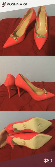 Michael Kors Vivienne red patent leather pumps 8 Brand: Michael Kors. Material: patent leather. Color: red. Heel: 4 inches. Size: 8. Brand new without a box. A very bright classy pair of shoes!! No trades, price is firm KORS Michael Kors Shoes Heels