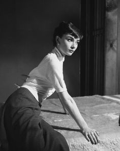 A photograph from Audrey's first photoshoot at Paramount Pictures. Credit: Bob Willoughby.