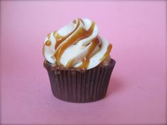 Bourbon Brown Butter Cupcakes with Caramel Cream Frosting | the purple spoon