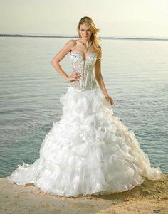 Deslumbrantes vestidos de novia tradicionales | Moda 2014