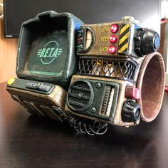 /r/cosplay: for photos, how-tos, tutorials, etc. Cosplayers (Amateur and Professional) and cosplay fans welcome. Fallout Props, Fallout Art, Pip Boy 2000, Eva Foam Armor, Tf2 Funny, Fallout Concept Art, Fallout Cosplay, Raspberry Pi Projects, Video Game Industry