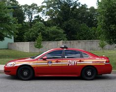 EMS22s FDNY Chevy Impala EMS Division 2 Car, Seaview Hospi… | Flickr Fire Dept, Fire Department, Ambulance, Police Truck, Cool Fire, Fire Equipment, Rescue Vehicles, Heavy Truck, Fire Apparatus