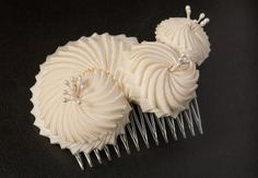Nautilus Cockade in soft white, handmade by Faunauge from Leipzig, Germany